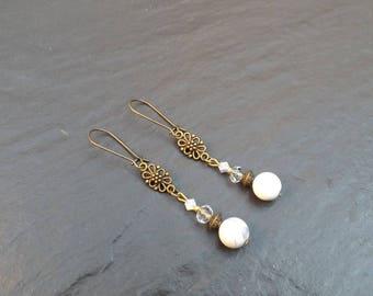 "Earrings ""wind"" howlite and Crystal beads"