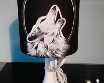 lamp theme hand painted Wolf