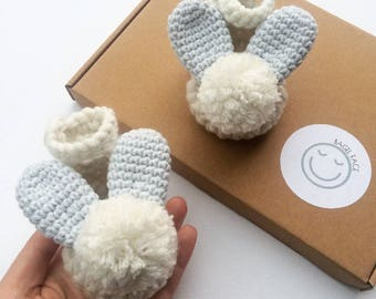 Baby easter gifts etsy baby boy shoes crochet baby shoes baby bunny booties easter baby gift negle Gallery