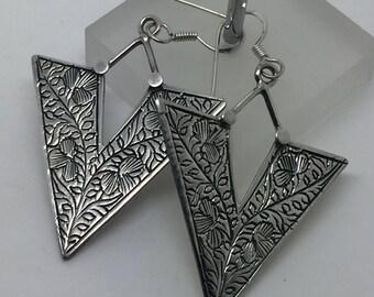 silver dangle earrings,silver drop earrings,silver carving jewelry,ethnic earrings,gypsy earrings,drop earrings,silver jewelry,boho earrings