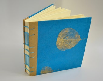 Coptic journal with Nepalese paper - Handmade notebook with Lokta paper - Sketchbook with coptic stitch and Spanish stitch