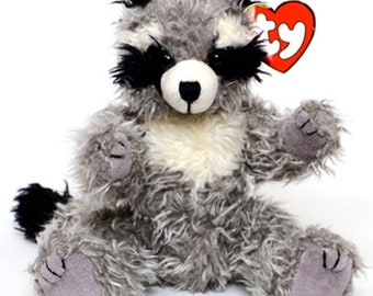 Vintage Retired TY Attic Treasures: Radcliffe the Raccoon 1999 - MINT Condition / Retired 2000