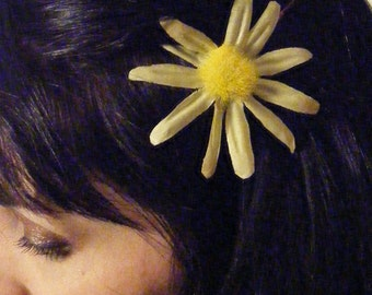 thin petaled DAISY  - customizable on bobby pin, barrette, comb or alligator clip