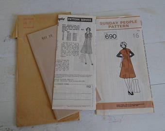 Sunday People Pattern - Flared Dress Pattern - Size 16 - No 690