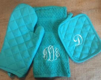 Monogrammed Kitchen Towel & Pot Holder Set