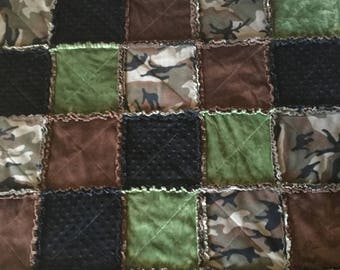 Ragtime Quilt, Minky and Fleece Throw, Camouflage, Green and Brown Throw