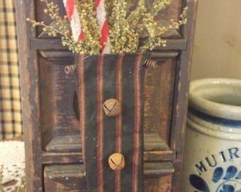 primitive stocking orn