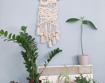 Waves Againt Sand / Handmade Macrame Wall Hanging / Wall Art / Tapestry