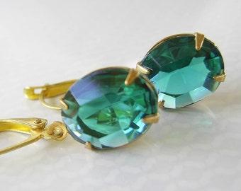 Emerald Green  Earrings, Vintage Cut Glass Earrings, Rhinestone Earrings, Brass Earrings