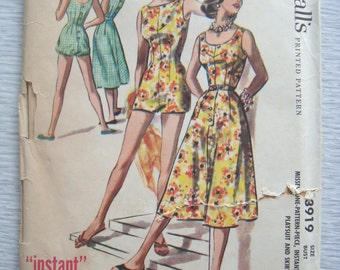 vintage 3152 McCalls PLAYSUIT and SKIRT sewing pattern