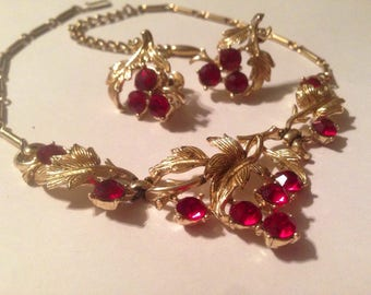 Dazzling Vintage / Gold-Tone /Ruby Red /Glass Rhinestone/ Necklace and Clip-On Earring set