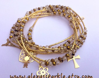 Crystal Clear & Gold Beaded Bracelet Set with Gold Plated Charms - Semanario pulseras de cristal y color oro con dijes de chapa de oro
