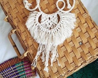 Macrame tassel necklace with adjustable length