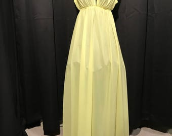 Vintage nightgown yellow small Cira by John Kloss