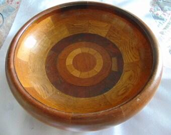 gorgeous heavy vintage wooden bowl treen  home decor 9 inch diameter fruit bowl