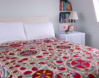 Suzani 1 - 205cm x 280cm - Vintage Textile - Hand embroidered