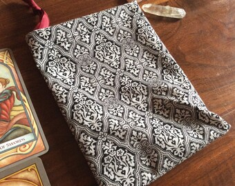 Black and White Damask Tarot Pouch - 100% cotton, divination tools