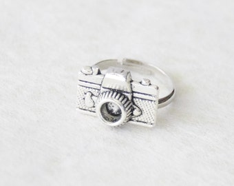 Camera Ring * Vintage Camera Ring * Photographer Gift Jewelry * Camera Jewelry