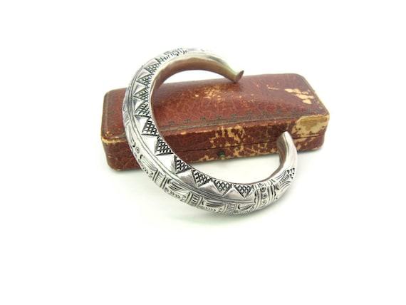Vintage African Style Tribal Sterling Silver 965 Cuff Bracelet