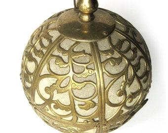 Mid Century Brass and Rice Paper Swag Lamp / 1960s Vintage Lighting / Asian Decorative Brass Hanging Pendant Lamp / Boho / Tiki / Tea Room