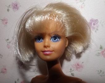 Really Pretty Vintage 1988 Hasbro Sindy doll .Vintage Sindy Dolls.
