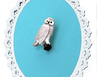 Miniature Snowy Owl - Victorian Framed Object - Wall Art Decor - 5x7in