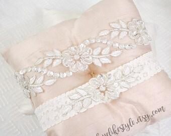 Wedding Garter Set, Off white Embroidery Flower Lace Wedding Garter Set, Light Ivory Garter Set, Toss Garter