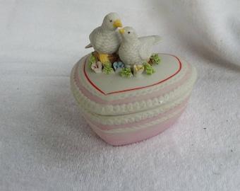 Vintage Porcelain White Dove Lovebird Trinket Box,  Ring Box with Lid