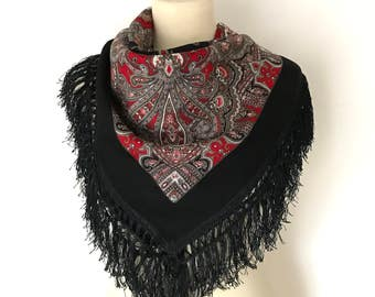 VINTAGE WOOL SHAWL / Vintage shawl / Fringed shawl / Black / Red / Grey / White / Scarf / Fringes / Wrap / Folk / Ornaments