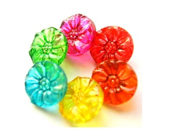 Vintage buttons, glass buttons, 6 flower shape buttons, hand painted in 7 colors 14mm, Czech