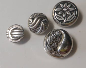 SALE!! *** Mid Century Metalised Plastic Buttons Silver Buttons