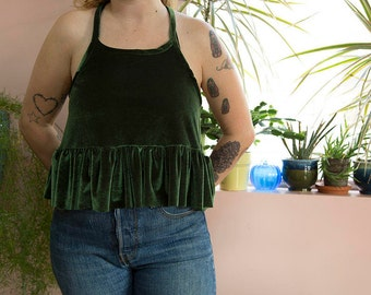 GREEN PARTY cropped ruffle tank