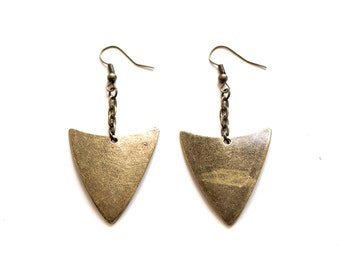 Curved Arrowhead Earrings Bronze