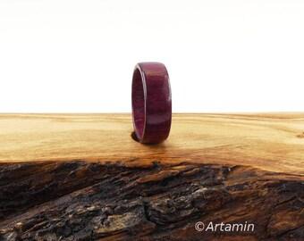 Ring in Amaranth Wood