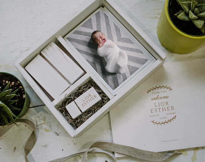 Set of 12  -  4x6 Wood print box with photo stand and enough space for 4x6 prints and usb drive - (spanish moss included)