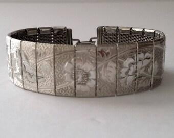 Vintage Silver Tone Mesh Floral Bracelet