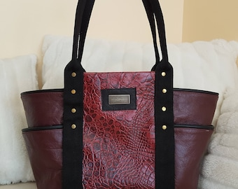 Leather tote bag with closure/shoulder bag/carrier/shopping bag/real leather/wine red color