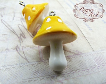 Cute Yellow Resin Mushroom Pendants, Easter, nature, kitschy, kawaii, cute summer pendant, spring, jewelry making, beads  - reynaredsupplies