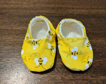 Bumblebee baby shoes - booties - crib shoes