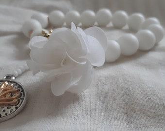 White agate gem bracelet