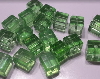 Lot 9 glass beads square 9mm transparent green