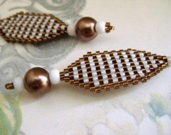 Peyote Earrings / Sale Earrings / Beaded Earrings in Brown and White / Seed Bead Earrings / Clearance Earrings / Geometric Earrings