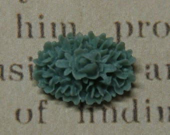 Old blue resin 17x12x7mm flowers applique