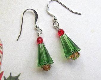 Christmas Tree Earrings , Holiday Earrings, Swarovski Earrings, Christmas Earrings, Tree Earrings, Christmas Jewelry, Green Earrings