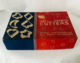 Vintage Cookie Sandwich Cutters in original box 6 shapes 1940's tin cutters star hart moon clover diamond spade collectible display cards