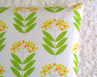 Green Elderberry cushion cover