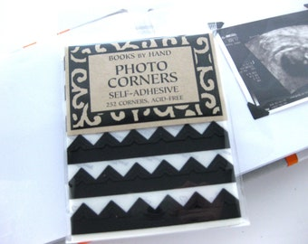 photo corners-black