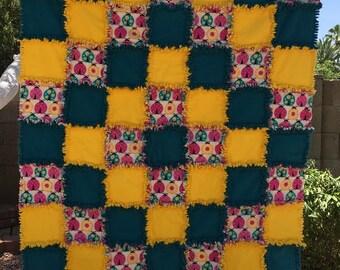 Child Rag Quilt - Baby Rag Quilt - Flannel Rag Quilt - Ladybugs Rag Quilt - Baby Shower Gift - Newborn Baby Gift - Baby Gift - Baby Blanket