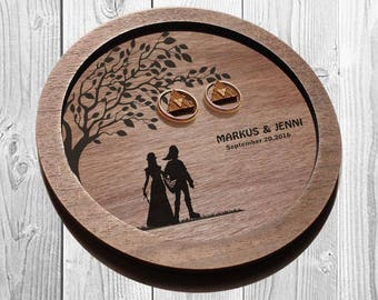 Link and Zelda Rustic Wedding Ring dish, Link & Zelda ring plate, wedding ring plates Wood, Zelda ring holder, personalized wedding gift