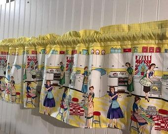 Retro kitchen scene vintage Curtain Valance with gingham